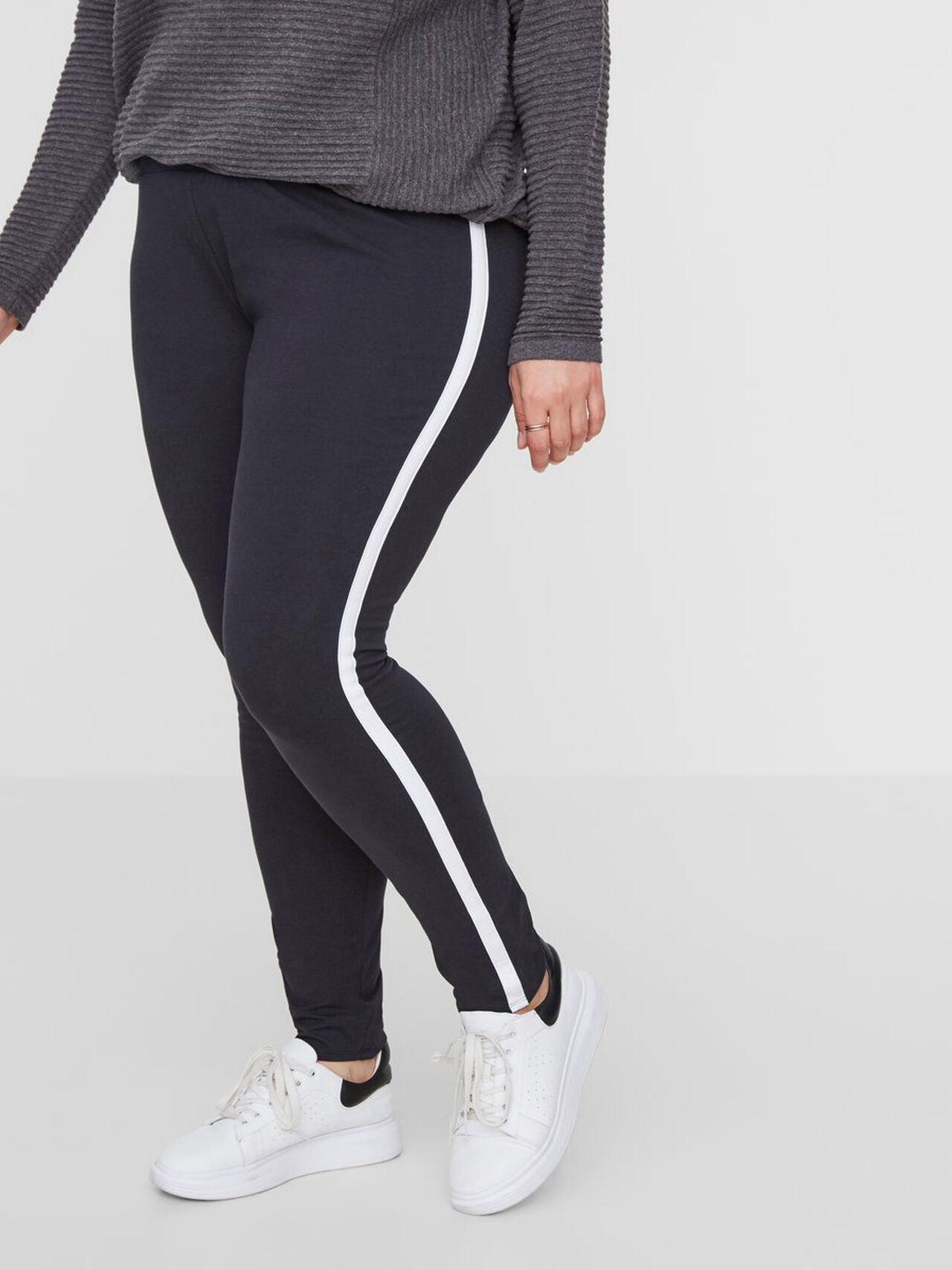 Image of   JUNAROSE Stribe Detaljeret Leggings Kvinder Sort